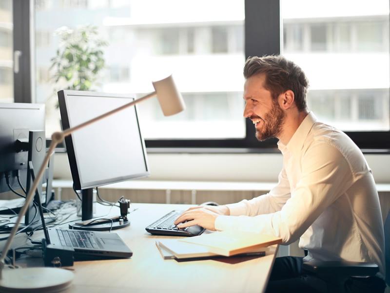 Body language in Virtual Meeting Blog800x600